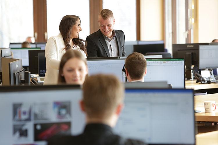 media/image/job-sales-office2.jpg