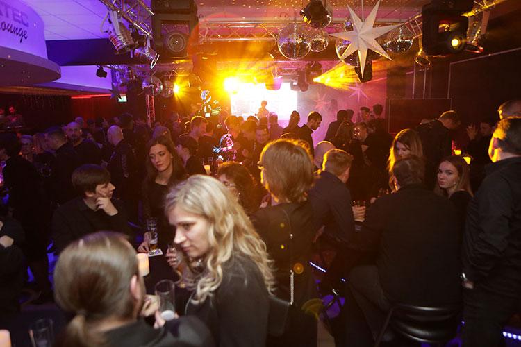 media/image/job-club-lounge3.jpg